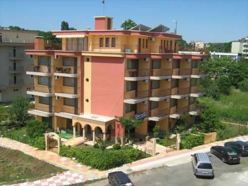 Hotel Yuzhni Noshti 1