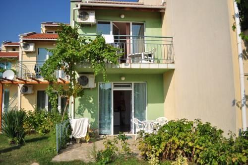 Apartments Arendoo in Saint Nikola Complex
