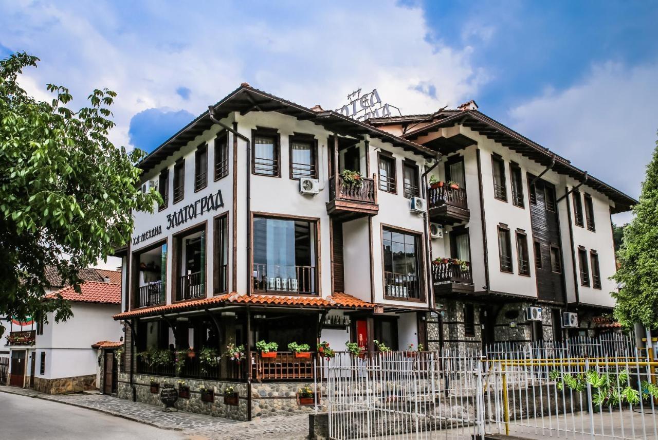 Хотел Златоград