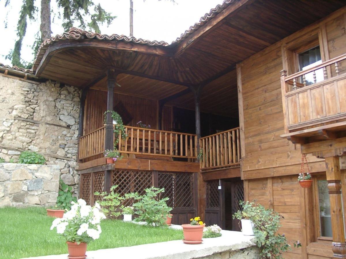 Сарафова Къща за Гости