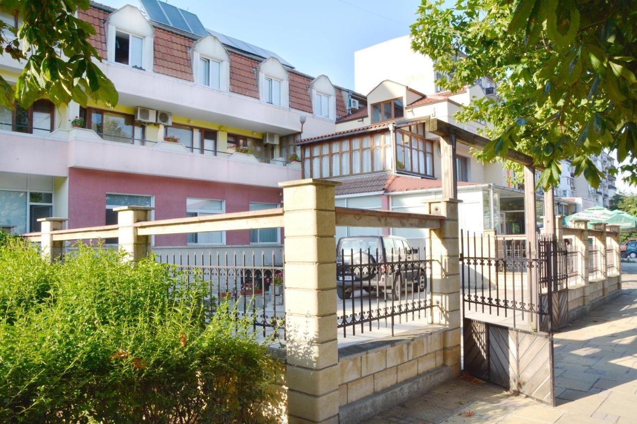 Хотел Весо