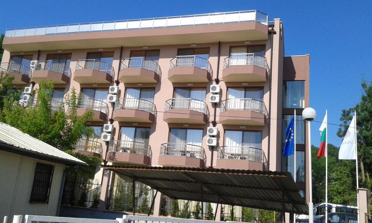 Хотел Вега