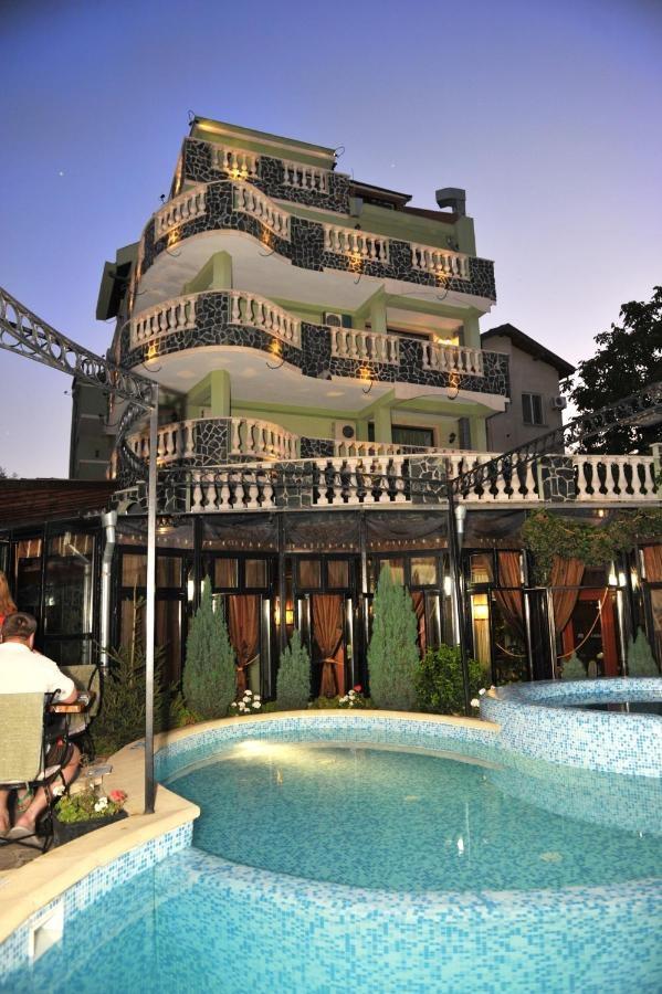 Хотел Боряна