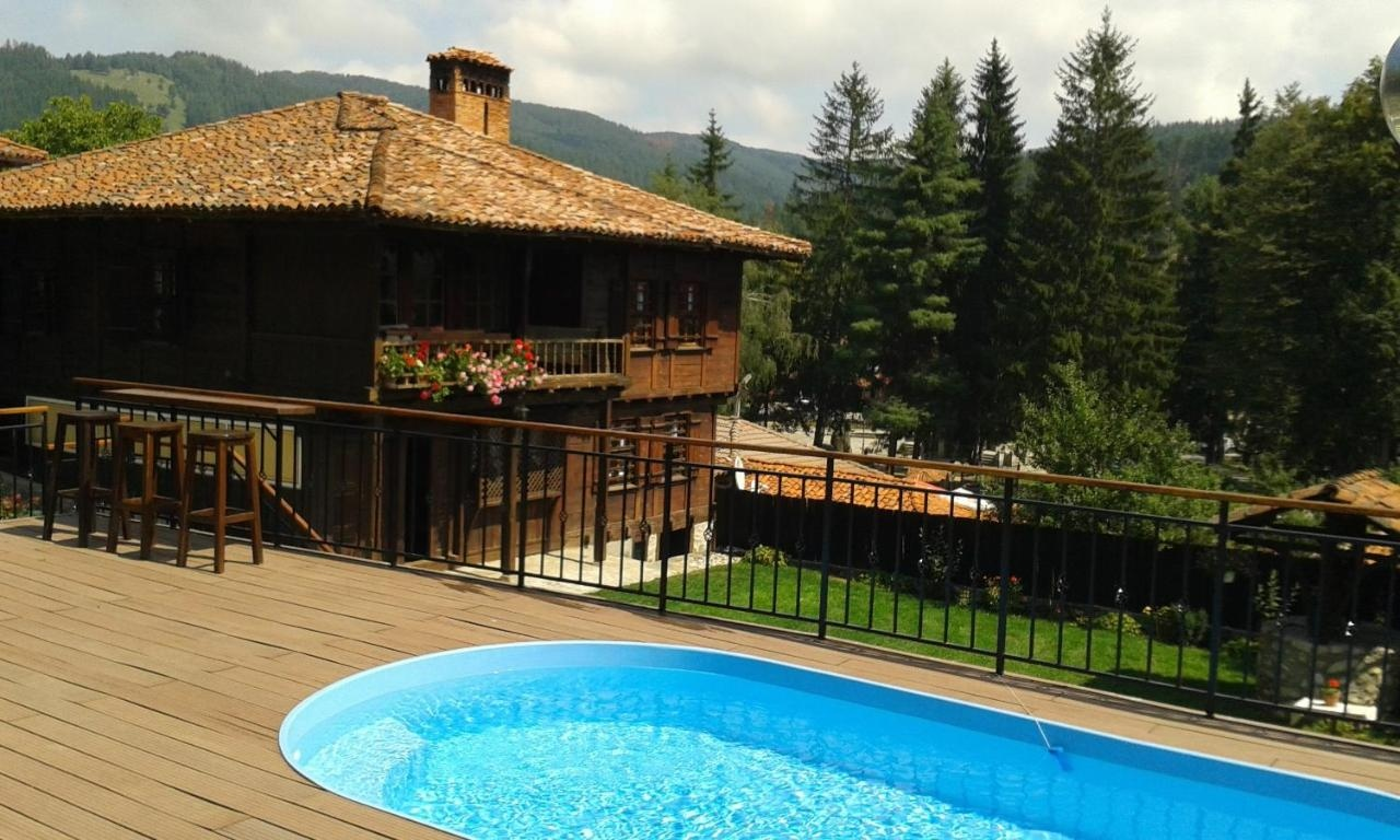 Къща за Гости Трaяновa