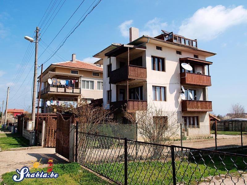 Къща за Гости Елида