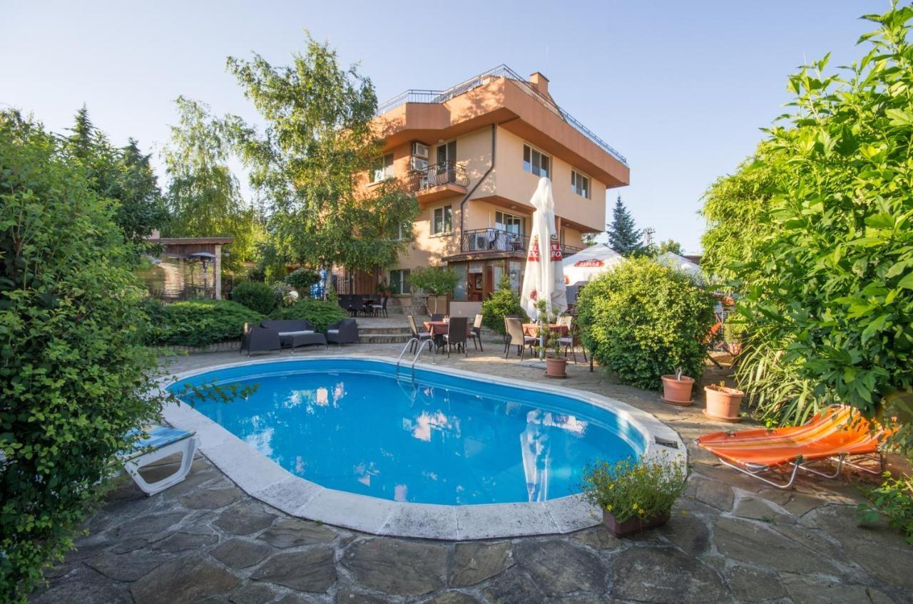 Къща за гости Ла Каза