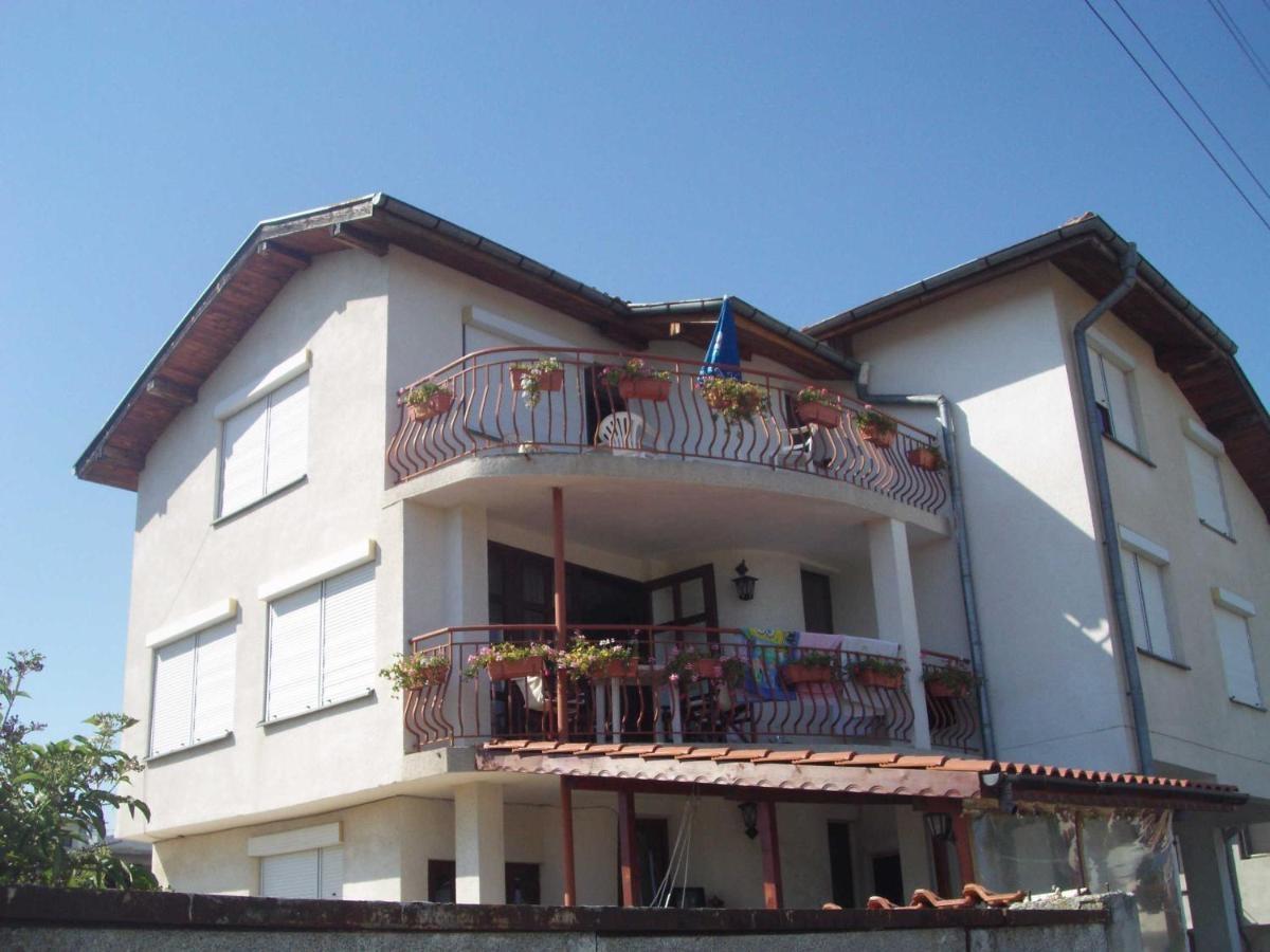 Къща за Гости Янакиев