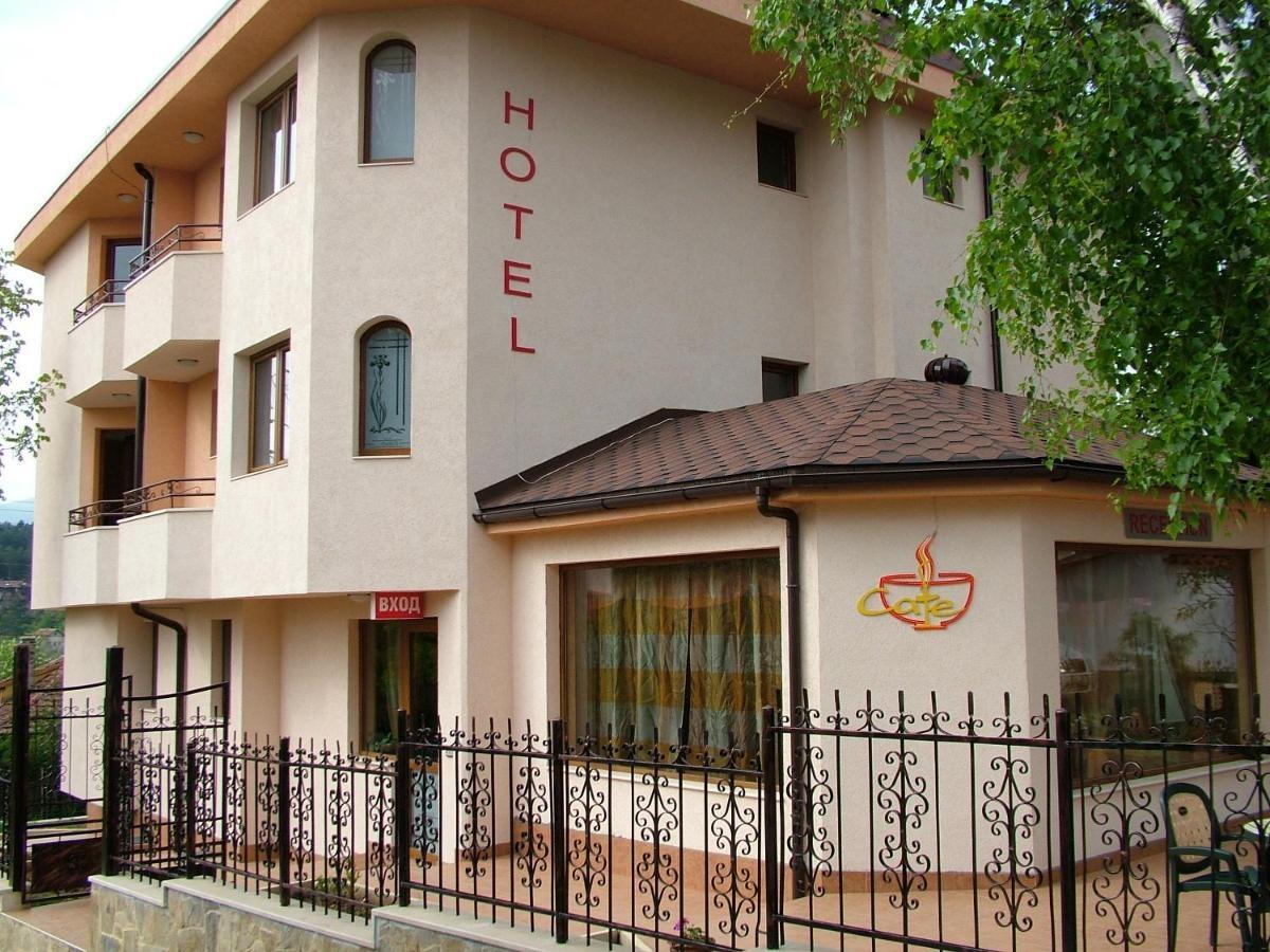 Семеен Хотел Емали 1