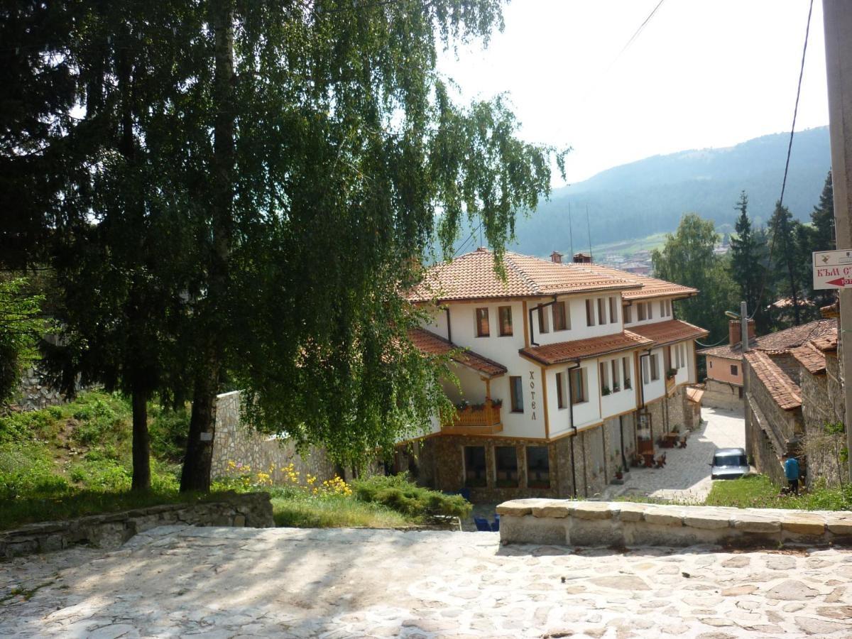 Семеен Хотел Джоголанова Къща