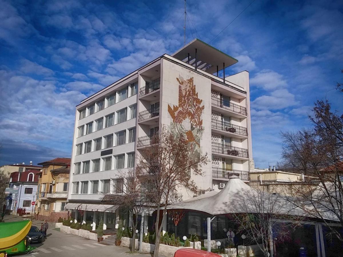 Бонония Хотел
