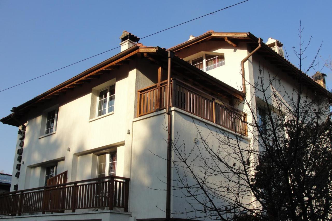 Зашева Kъща