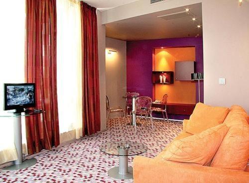Mone Hotel