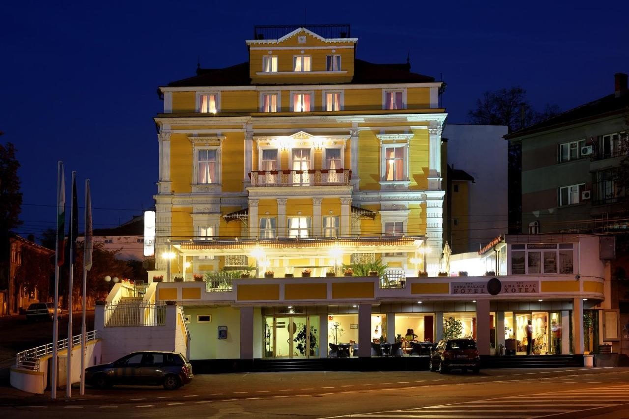 Хотел Анна Палас