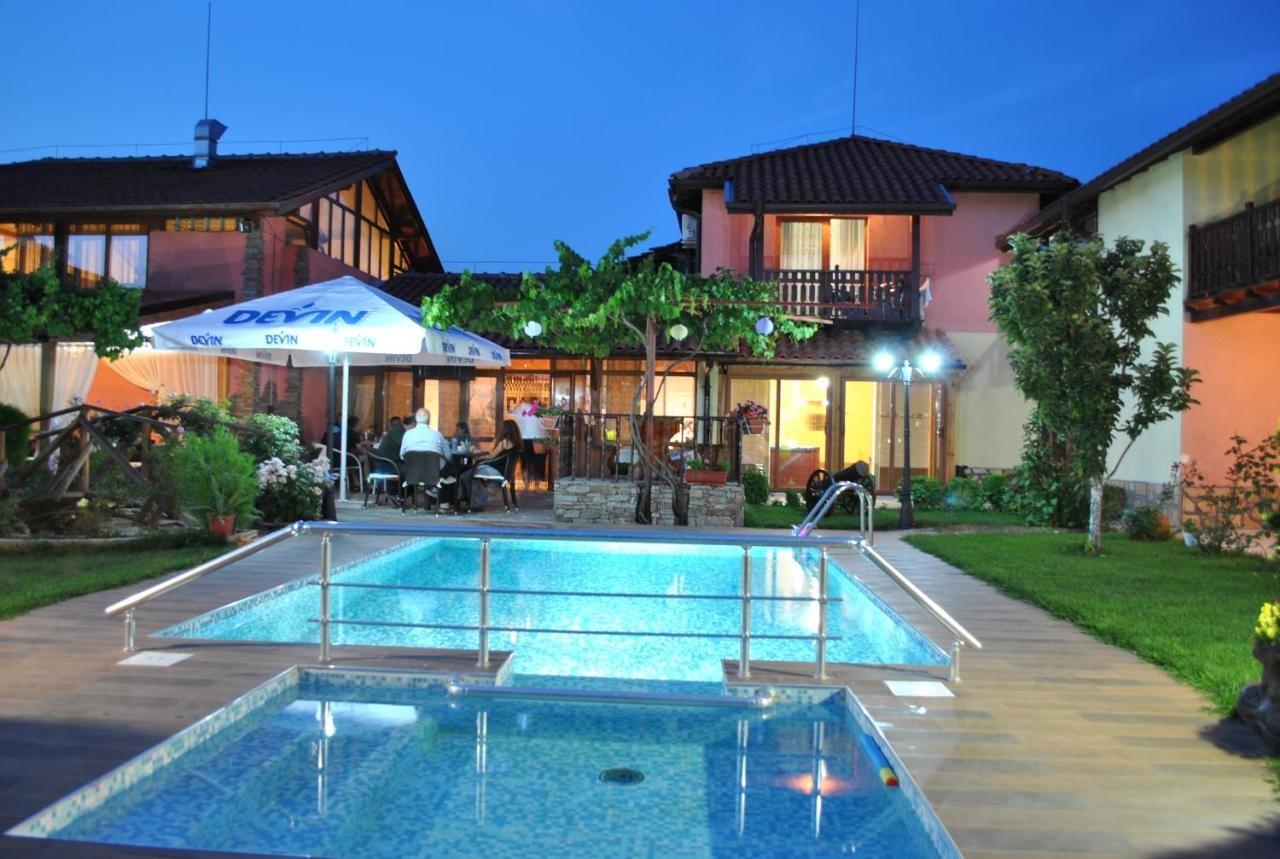 Семеен хотел комплекс Градина