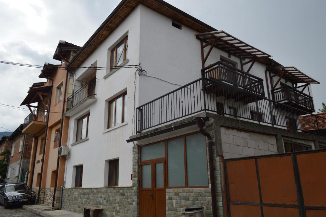 Къща за гости Баба Дора