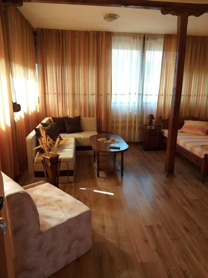 Хотел Амброзия
