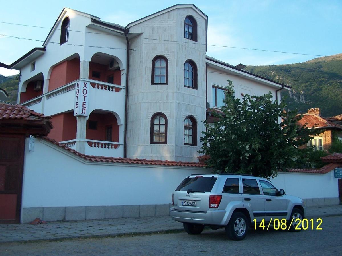 Семеен Хотел Ел Парайсо