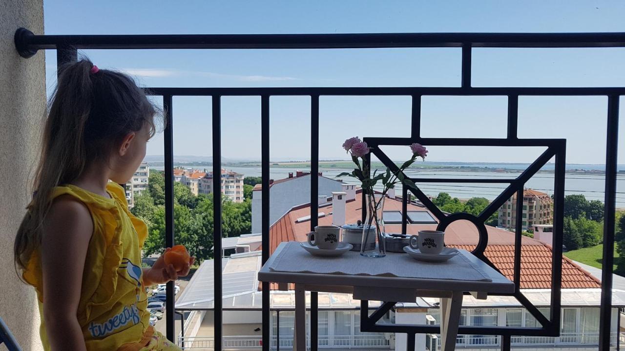 VacationBS - Sea and Lake Panorama