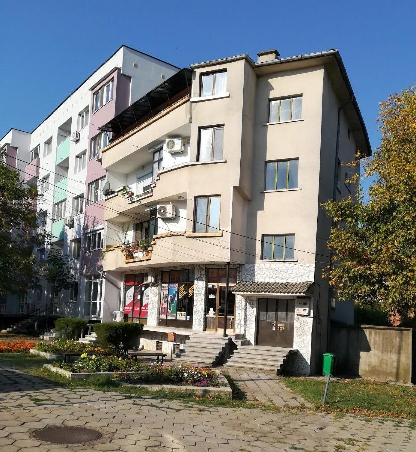 Апартамент за гостиВълчанови