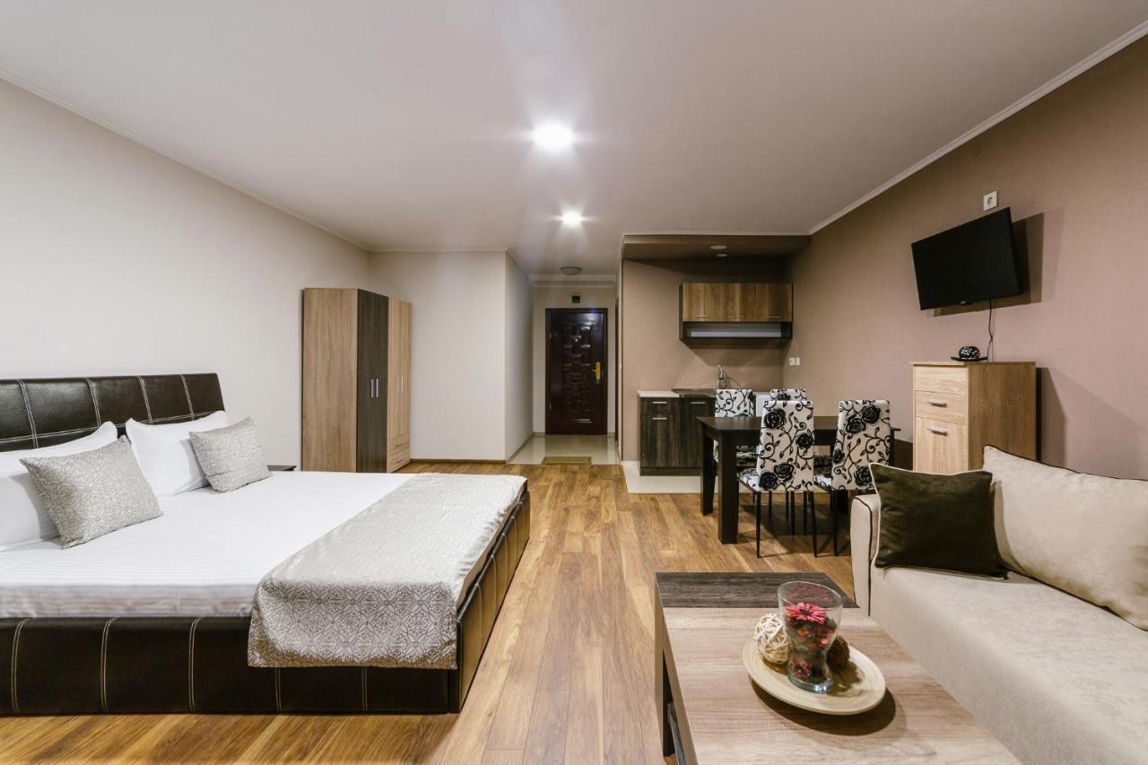 Hotel & Casino Ring